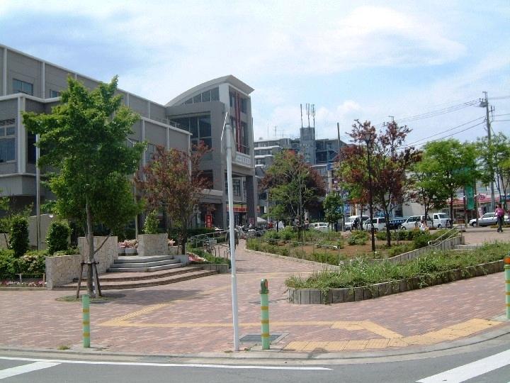 千葉県船橋市 新京成電鉄薬園台駅前広場01