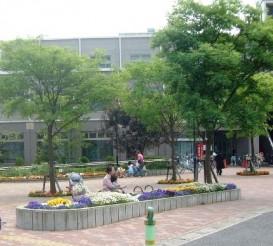 千葉県船橋市 新京成電鉄薬園台駅前広場02